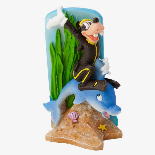 Susan 39 s disney family petsmart has great ornaments to for Petsmart fish decor