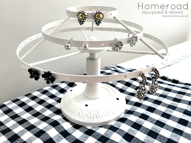 Clip Carousel Earring Holder