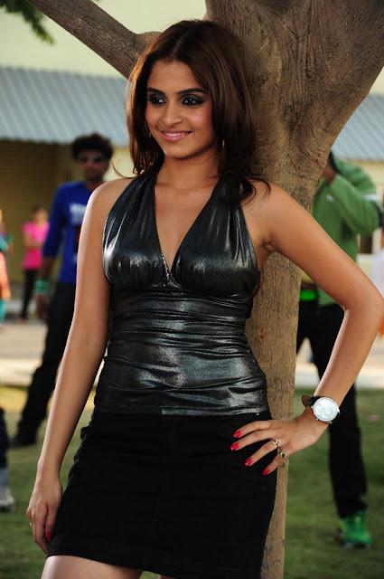 All Stars Photo Site: Sheena Shahabadi Spicy Black Deep