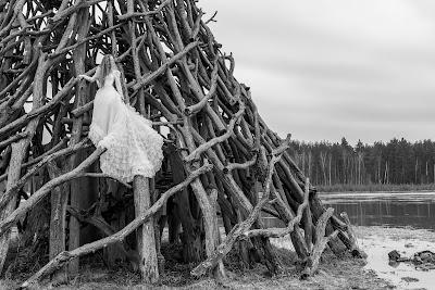 Vestido de novia con cola capilla