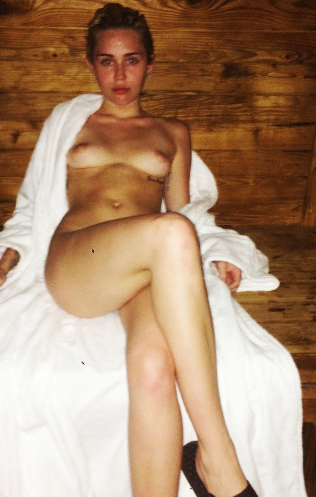 Miley cyrus shows boobs-8082