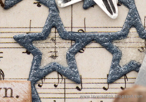 Layers of ink - Sparkling Silver Star Christmas Ornament by Anna-Karin Evaldsson with Tim Holtz Ranger Rock Candy.