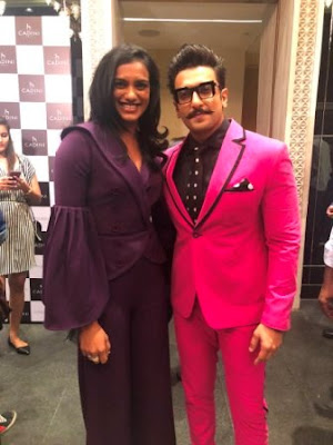 #instamag-ranveer-singh-and-pv-sindhu-having-fan-moment