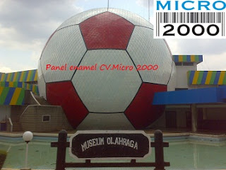 motif bola ini ada di Taman Mini Indonesia Indah, karya CV. Micro 2000 [www.kubahmasjid.com]