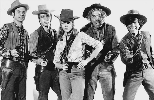 Cat Ballou 1965 movieloversreviews.filminspector.com Jane Fonda Lee Marvin