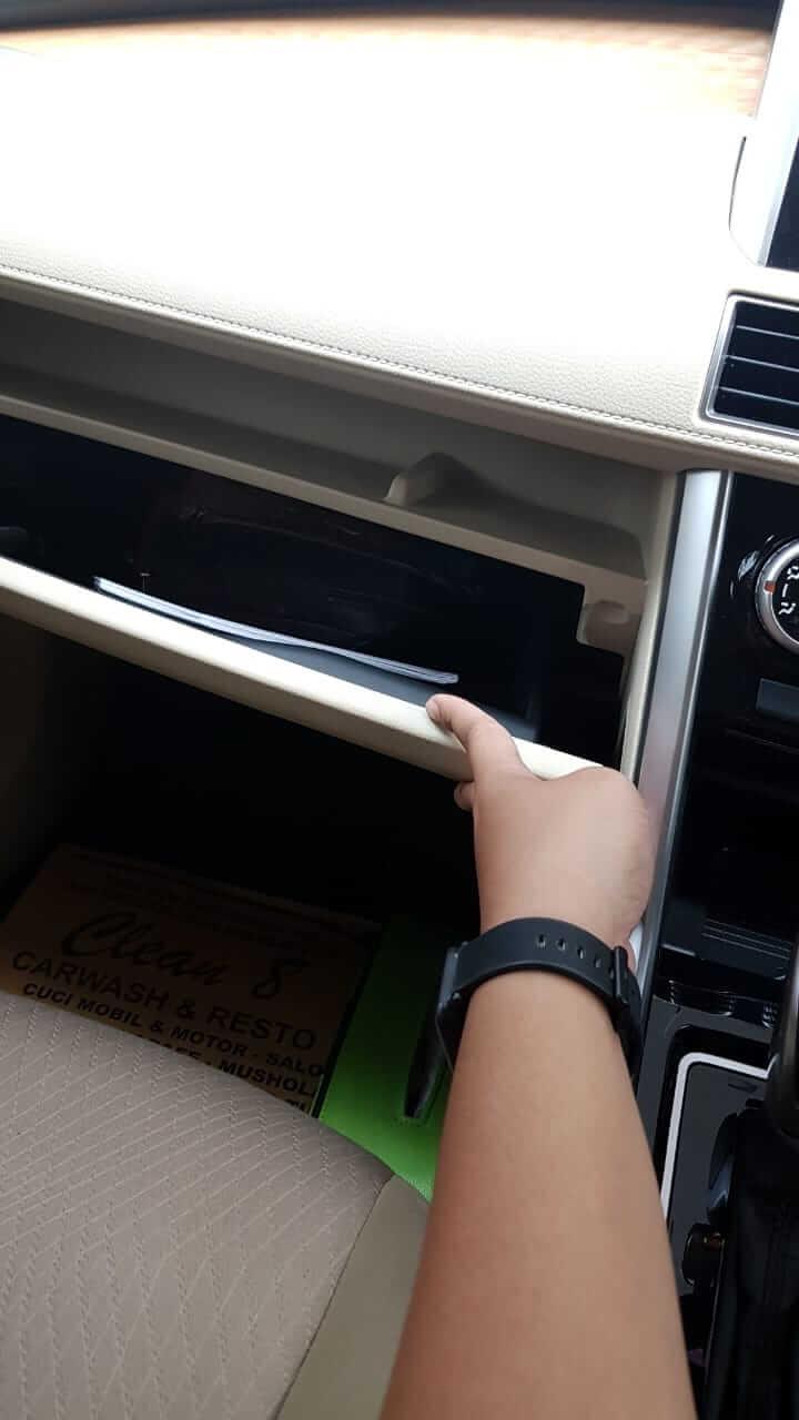 loker di dashboard copilot Xpander ada dua tingkat