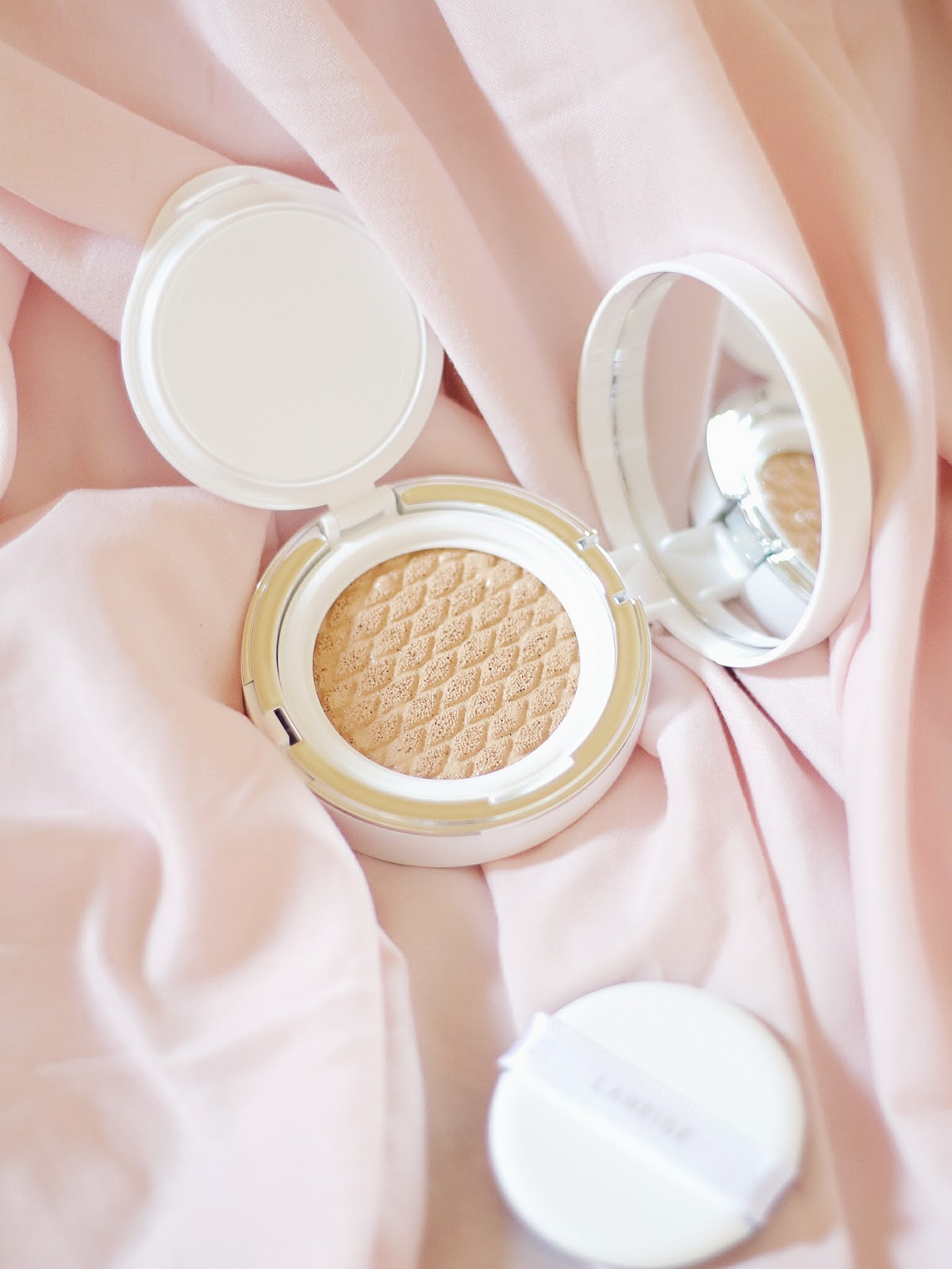 Laneige Pore Control Cushion Review in Sand