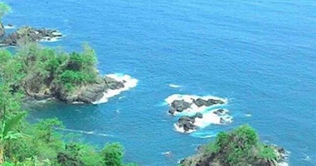 Pantai Ngadipuro Trenggalek