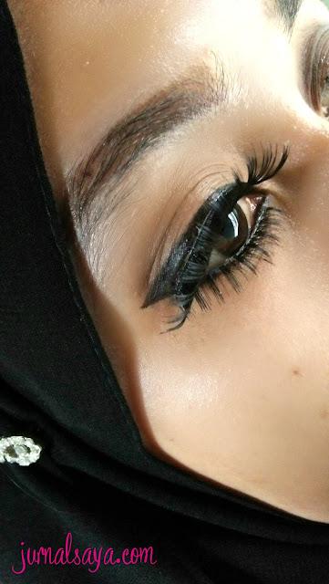 cara memasang bulu mata palsu