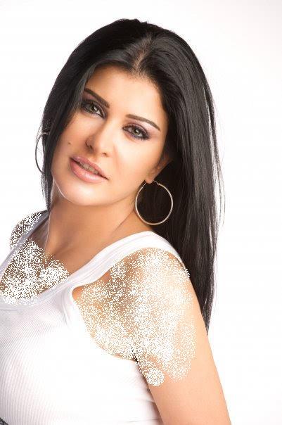 شاهدوا كم تغيرت الممثلة السورية جومانة مراد بعد سنوات من الغياب