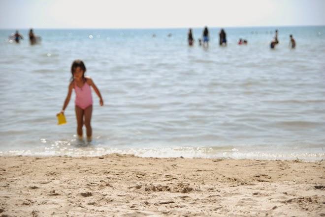 diy blurred beach photo art inspired by Thom Filicia aperture