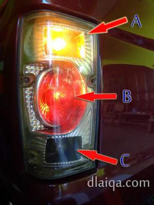 cek lampu sein (A), lampu rem (B), lampu mundur (C)