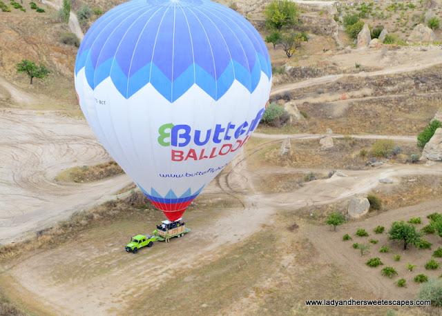 Butterfly Balloons truck landing