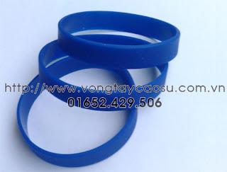 Vòng tay trơn màu xanh dương