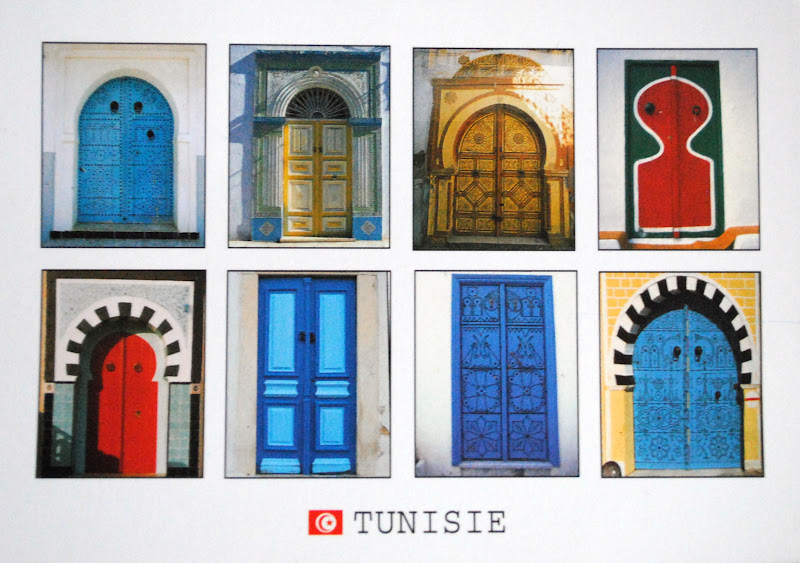 kolorowe drzwi w tunezji