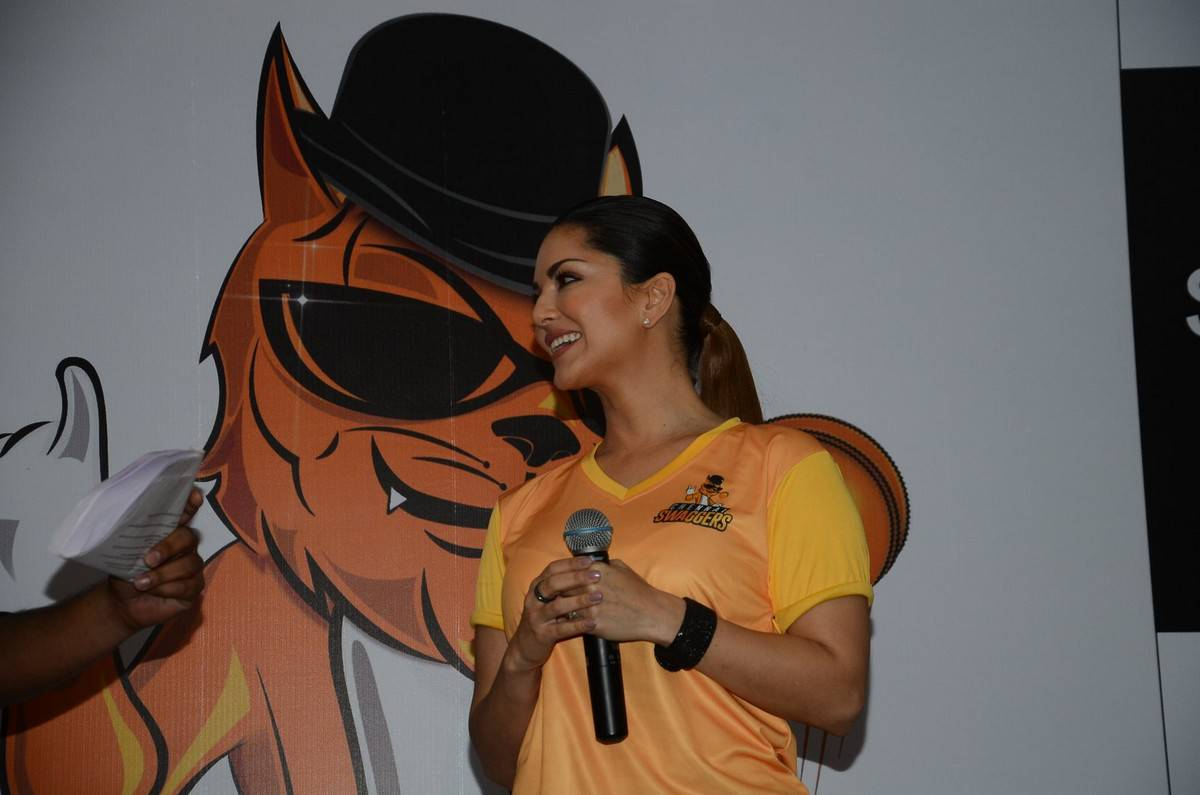 Sunny Leone Latest Hot Stills In a Event