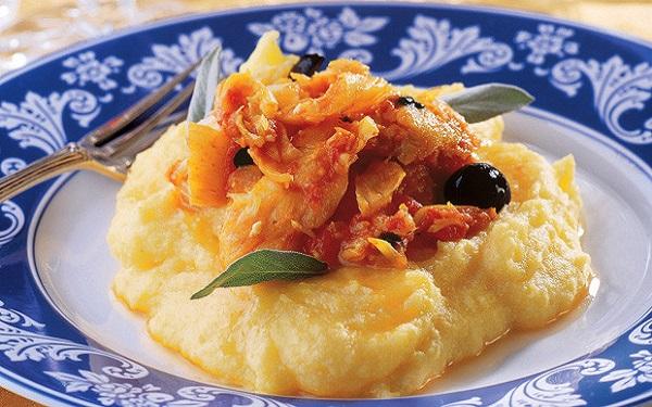 Receita de polenta com bacalhau na panela de pressão (Imagem: Reprodução/MdeMulher)