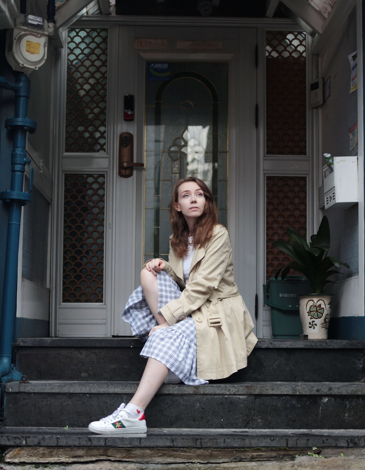 how to style trench coat jack wills korean british fashion blogger