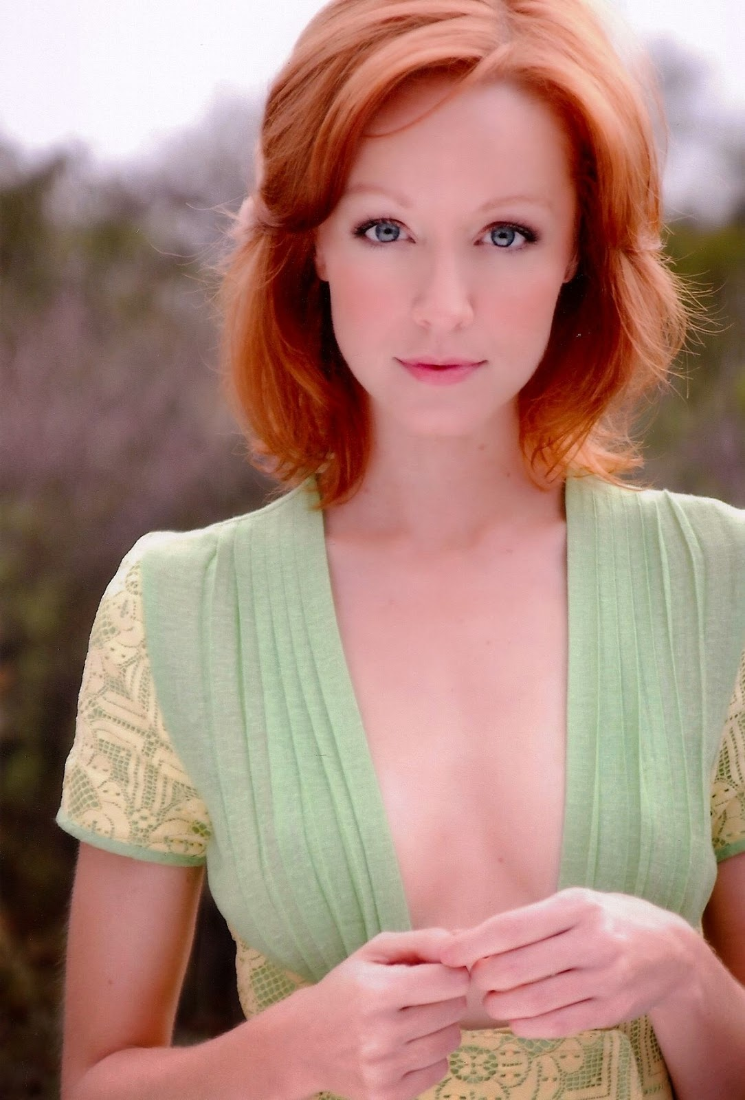 A Look At Supremely Gorgeous Actress Lindy Booth