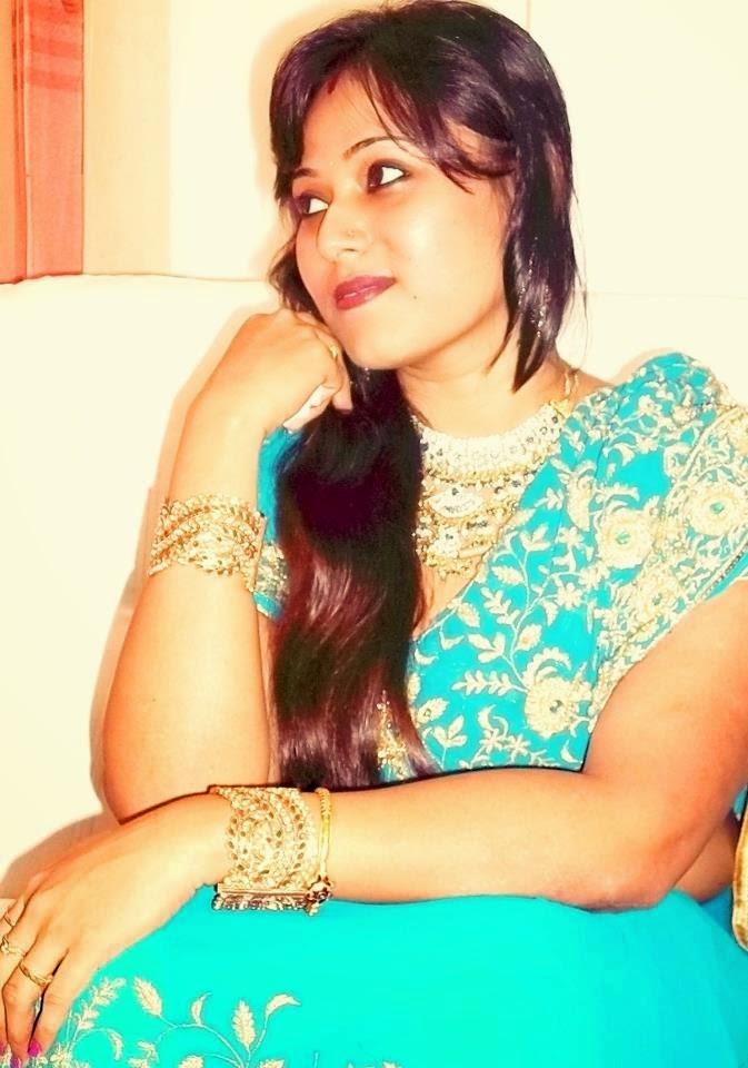 Payal Bhabhi Hot Aunty In Saree Photos  Hot And Sexy-5409