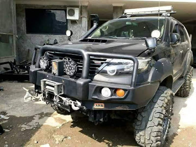 Modif Toyota Fortuner offroad look like.