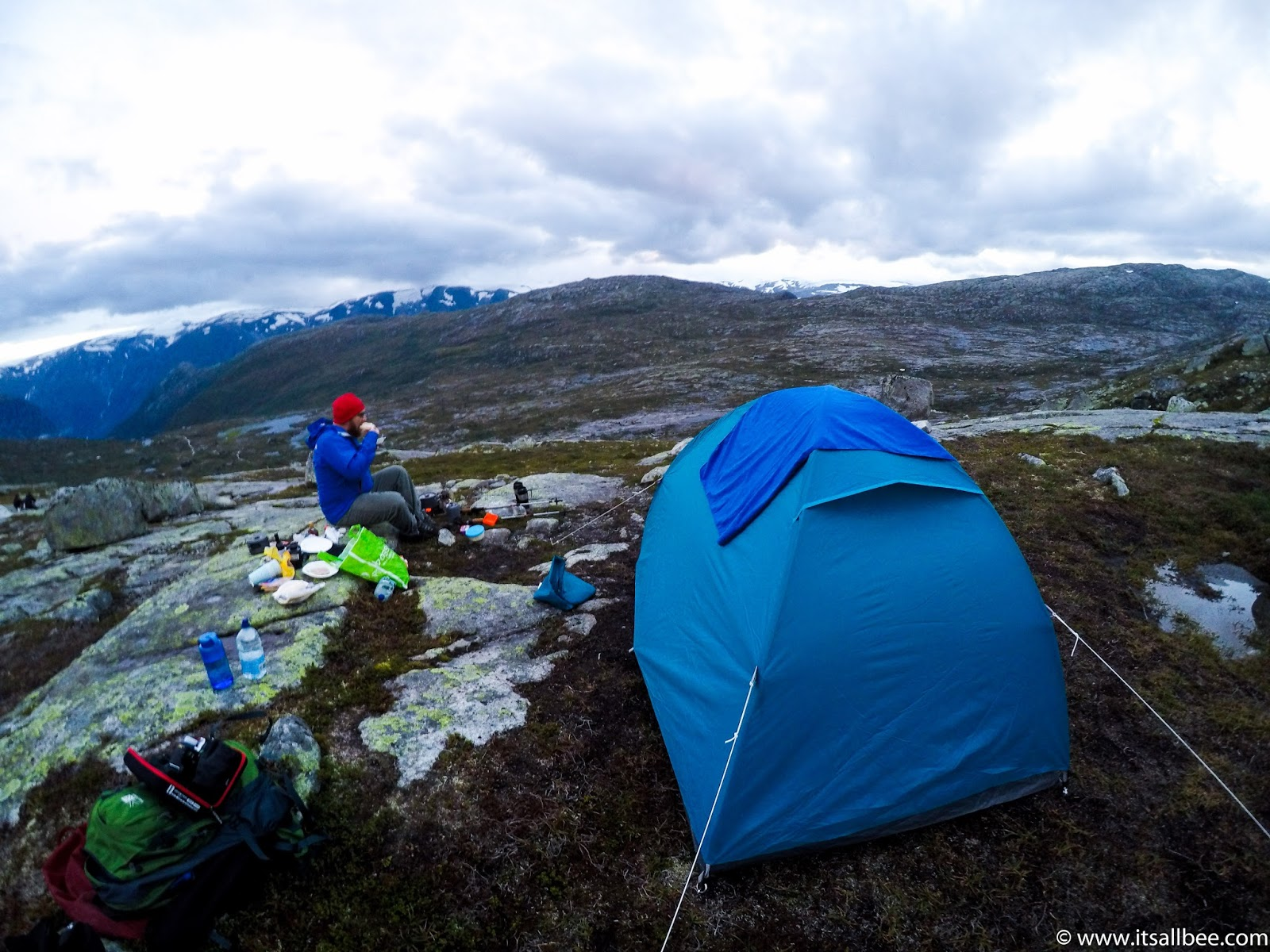 Trolltunga Hike Guide - Your Questions Answered! - From Bergen / Oslo | trolltunga hike guide, camping trolltunga, trolltunga parking, trolltunga blog post,