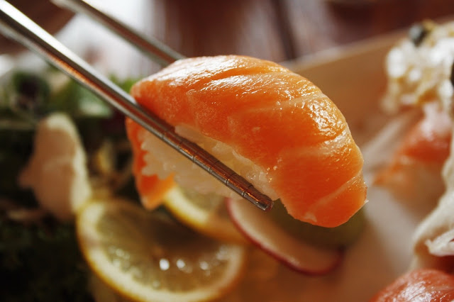 Aprenda a fazer sushi em casa