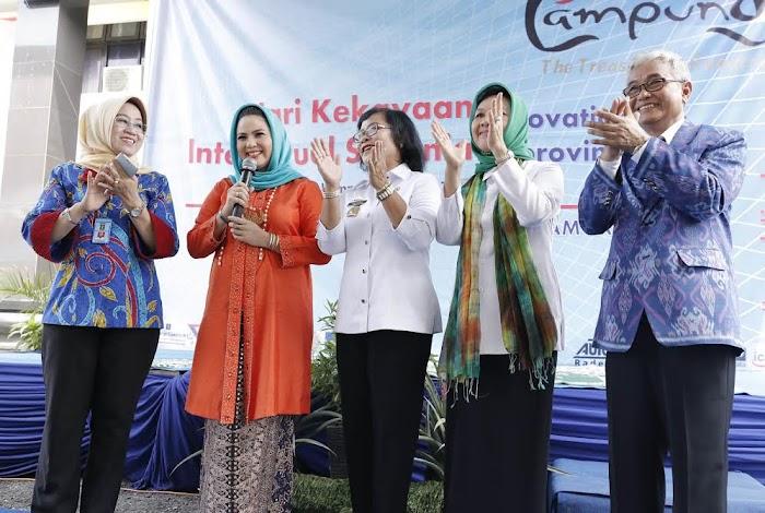 Penghargaan Kepada Aprilani Yustini Ficardo Sebagai Penggiat Intelektual di Provinsi Lampung