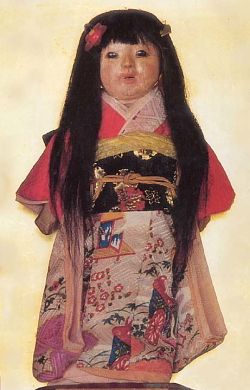 misteri boneka setan dari jepang yang rambutnya terus memanjang