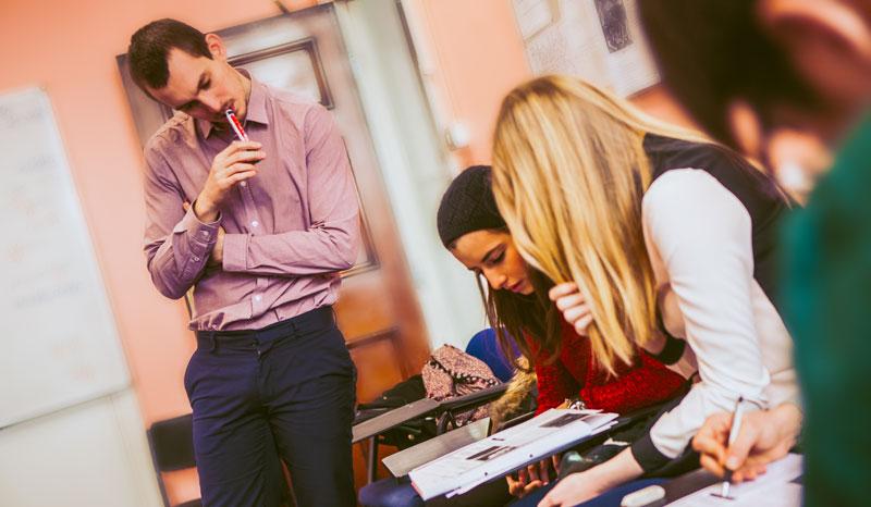Tips Memilih Les Bahasa Inggris Untuk Dewasa