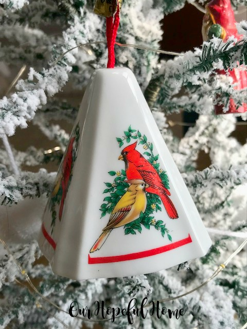 vintage jasco porcelain pomander Christmas ornament cardinals