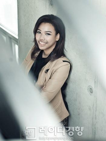 Lee Michelle chooses school over a large agency ~ Netizen Buzz