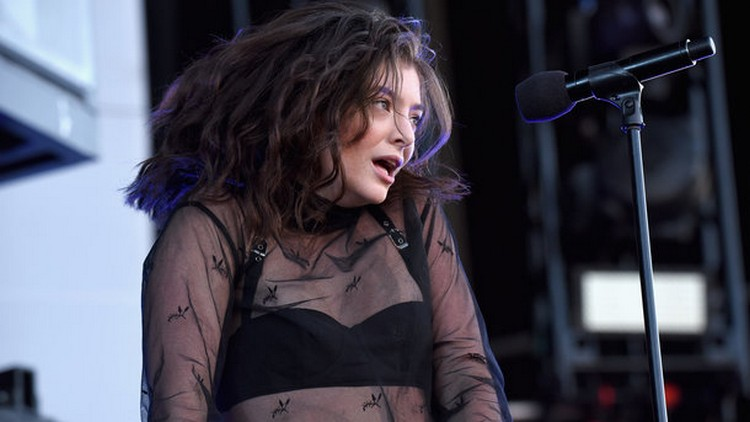 20-year-old singer Lorde released a new album Melodrama