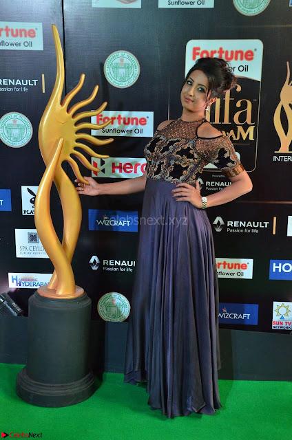 Sanjjanaa Galrani aka Archana Galrani in Maroon Gown beautiful Pics at IIFA Utsavam Awards 2017 02.JPG