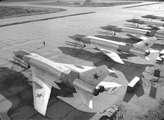 Schieramento di Tu-128.