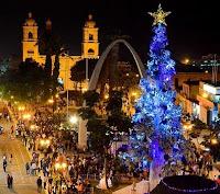 Foto de la ciudad de Tacna en Navidad y de noche