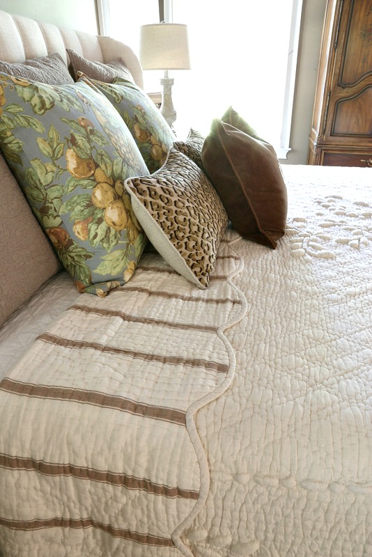 Nice The last item finally arrived and my master bedroom got a little makeover again I love a pretty bed and bed linens and I have had my eye on this quilt for