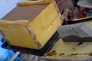 Βράσιμο ή βαφή κυψελών σε λινέλαιο Video