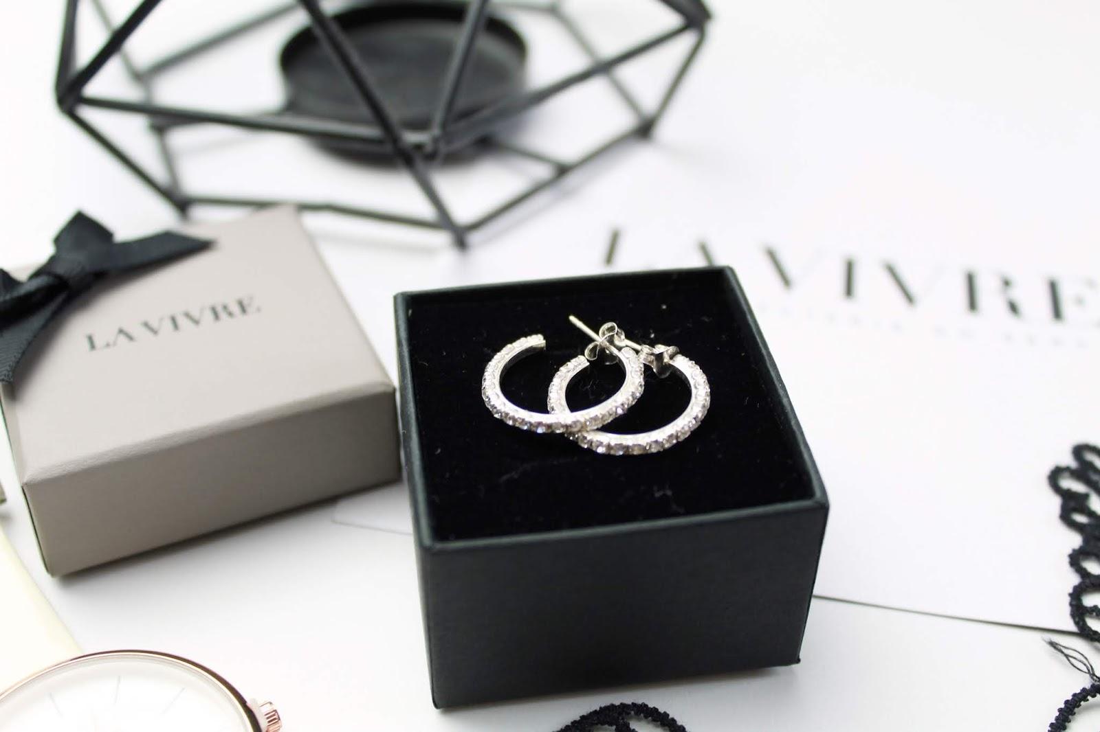 Uwodzicielski luksus - kolczyki srebrne z białą cyrkonią - LA VIVRE