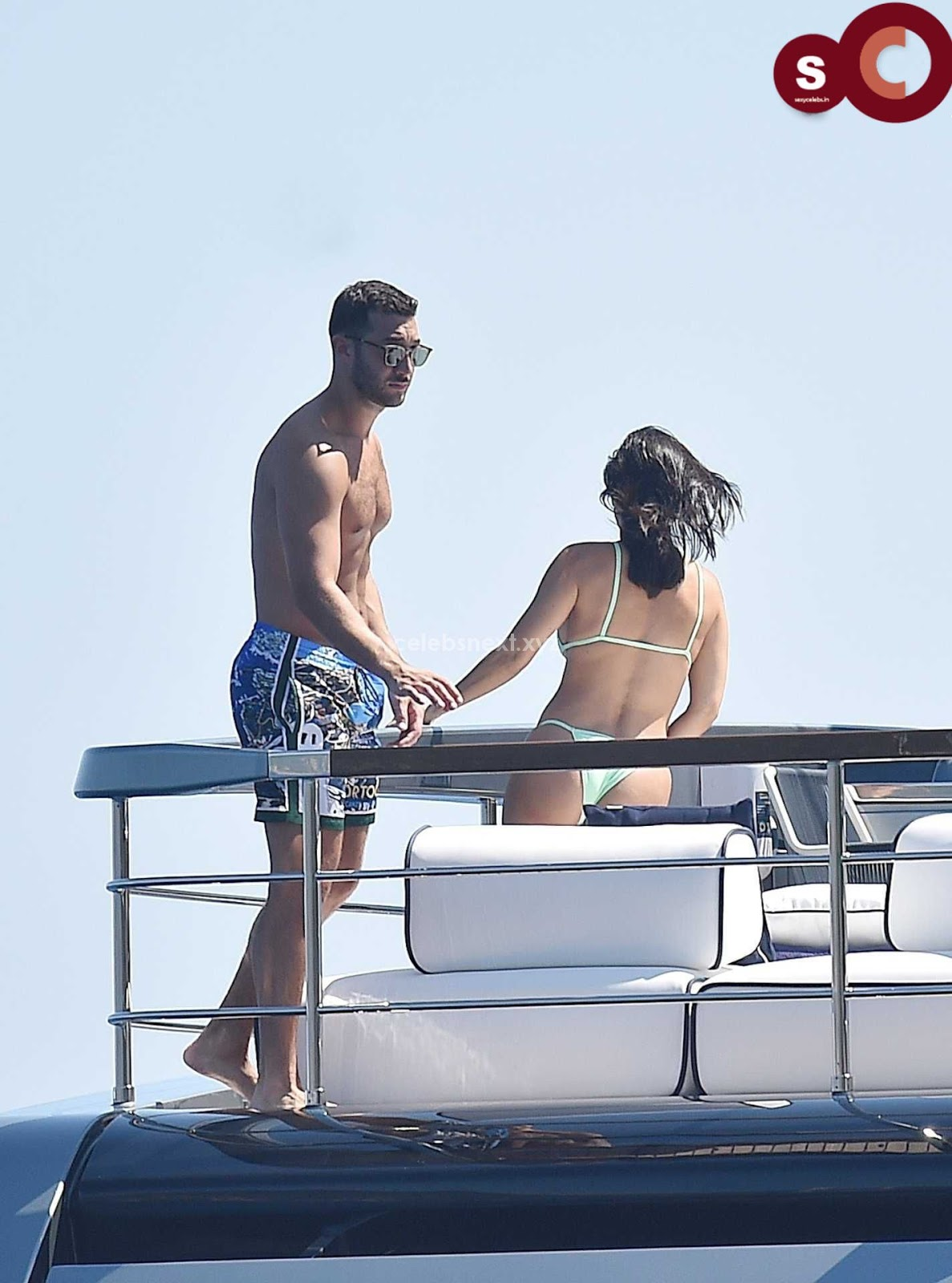 Kourtney Kardashian vin thongs candids Sexy Smooth small Naked Ass July 2018 ~ CelebsNext.xyz Exclusive Celebrity