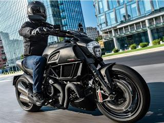 Moto Sport Ducati Carbon Black Color