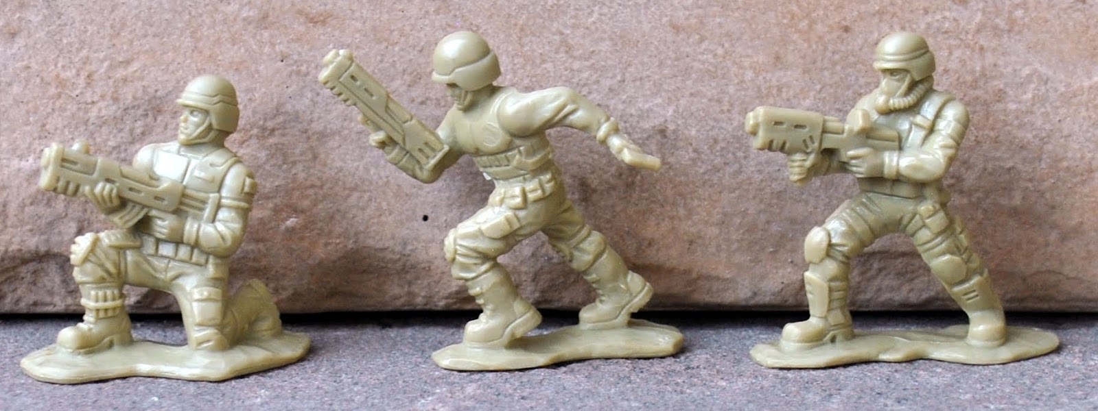 Fantasy Toy Soldiers: GALOOB: Xpanders, Knockoffs And