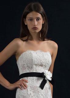 ed9768459716 Per il 2018 le acconciature naturali vincono sulle altre. Un abito da sposa  romantico si abbina alla perfezione con una bella ed elegante acconciatura  da ...