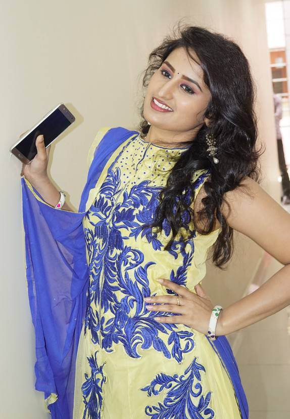 Ankitha TV Actress in Sleevless Anarkali Dress
