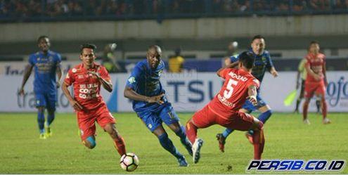 Essien & Cole Gagal Bawa Persib Kalahkan Arema FC