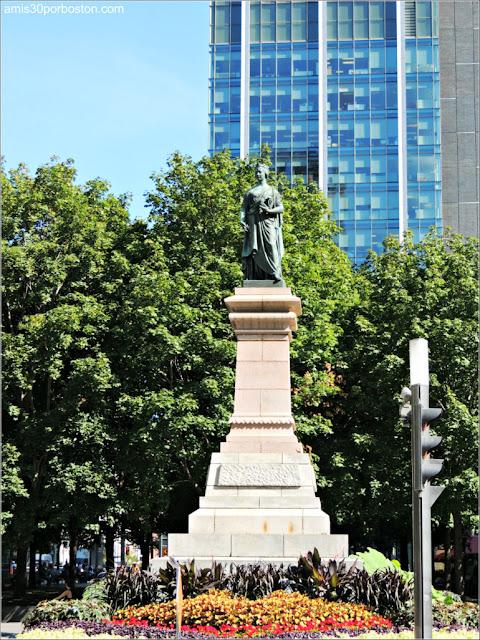 Victoria Square en Montreal: Monumento a la Reina Victoria
