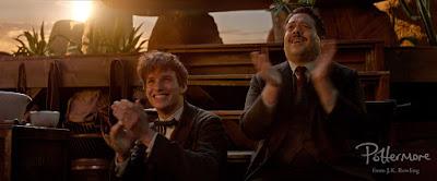 Newt e Jacob applaudono
