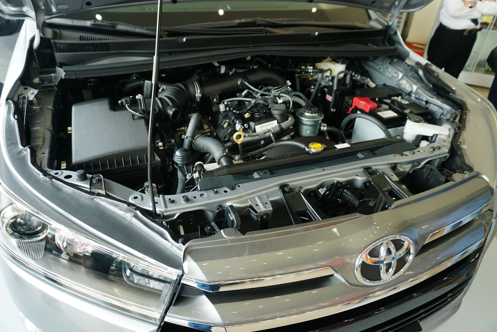 Động cơ của xe khá yếu so với vẻ ngoài to lớn của xe