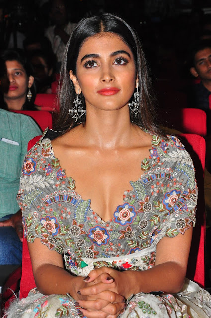 Pooja Hegde Hot Cleavage Image
