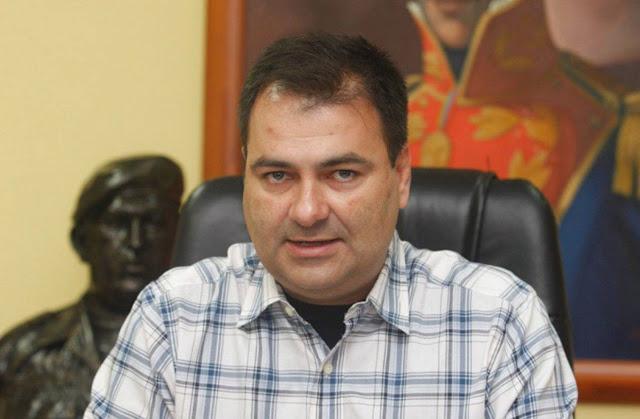 Ministro de Salud dice que no permitirá apertura de un canal humanitario